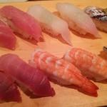 寿司 魚がし日本一 - 大トロ・目鯛・アジ・中トロ・エビ・小肌