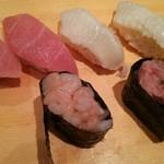 寿司 魚がし日本一 - 大トロ・エンガワ・甘エビ軍艦・ネギトロ軍艦