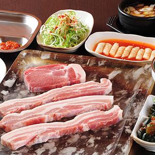 サムギョプサルは、韓国で女性に人気のヘルシー&美容食!