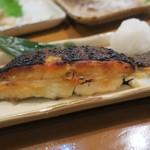 海鮮居酒屋山水 - ふっくらと、ジューシーな焼き魚です