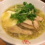 トマトの花 - たっぷりレタスの鶏チャーシュー塩スープ麺+モッツァレラチーズ100円