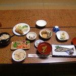 勇屋旅館 - 料理写真:夕食の松茸ごはんです。