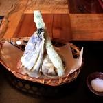 そば家 和味 - 野菜天ぷら 野菜の下に梨の天ぷらが