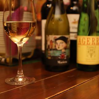 50種以上のワインと外国産のビール