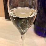 羽田市場 ギンザセブン - 美味しい日本酒スパークリングは富久長