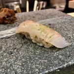 羽田市場 ギンザセブン - ひらめ昆布〆