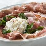 イタリア産生ハム&サラミ&つくりたてストラッチャテッラ