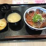 全国ご当地丼ぶり屋台 - カツオタタキ丼+お味噌汁セット 1,112円