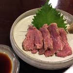 田楽木曽屋 - 馬刺し ハーフ ¥600