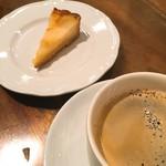 ANTEROOM MEALS - 梨のベイクドチーズタルト