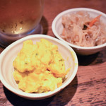 馬耳東風 - お通し(カボチャサラダ、切干大根煮)