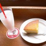 9732038 - チーズケーキセット
