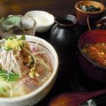 魚季亭 - 鯵の小ぶっかけ飯¥1575