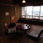 ナイヤビンギ - 席は全て旅館風の個室です