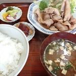 中華料理 大来軒 - 生姜焼き定食