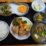 西谷温泉 水車茶屋 - 煮ぐい定食