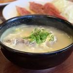 明月館 - ランチBのテールスープ