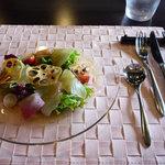 9735024 - 【前菜】鯛のカルパッチョ サラダ仕立て