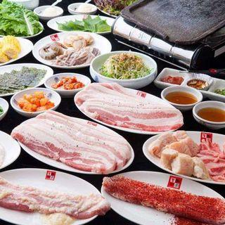 サムギョプサルと韓国料理食べ飲み放題コース4000円税込