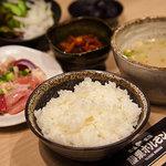 藤栗ホルモン - 鳥さん定食(ランチメニュー、850円)