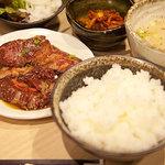 藤栗ホルモン - ハラミ定食(ランチメニュー、1,000円)
