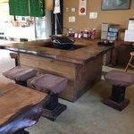 いき生き水文化 かばた館 - 囲炉裏のテーブル