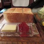 シャルラン - トーストの厚み半端ねえ!