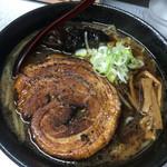 サッポロラーメン エゾ麺ロック - 醤油ラーメンのなまら厚切りチャーシューの ¥1.050