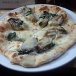 ラ ピッツァ - カキのピザ(M)(1670円)