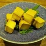 焼酎処みかん - チーズのわさび醤油漬け。めっちゃ旨い!
