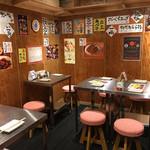 鉄板牛串 アベ亭 - 店内(2Fテーブル)