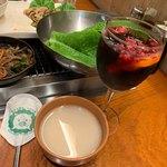 チーズとお肉の韓国料理 ベジテジや - サングリアとマッコリ