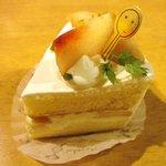 ハッピーシュガー - 料理写真:もものショートケーキ(380yen)