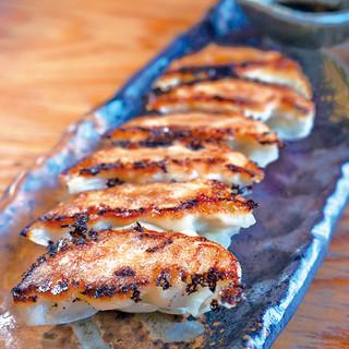 毎月14日の『十四郎の日』は、この自家製鶏餃子が14円!