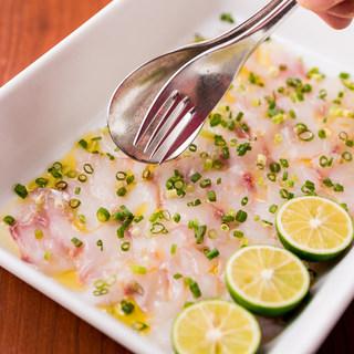海の幸を感じる魚介料理に舌鼓☆各種サラダもご一緒に