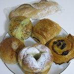 温香 - 料理写真:パン6種類