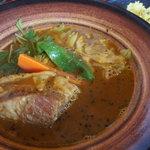 カレーのふらのや - 角煮スープカレー(ノーマルスープ
