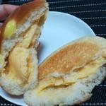 スイートスイート - 幸せのクリームパン160円+税