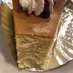 示野珈琲 - ベークドチーズケーキの断面