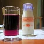 山村みるくがっこう - ワイン&山村牛乳