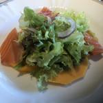 フランス料理/ワインダイニング ラ・ベル・エポック / バロン オークラ - サーモンとパパイヤのサラダ