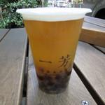 一芳 - 金鑽パイナップル緑茶+タピオカ