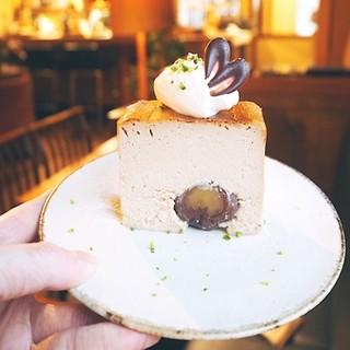カフェ 寛味堂 - 渋皮栗のチーズケーキ