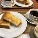 セブンローストコーヒー - モーニングセット(420円:税込)・・トースト、ミニサラダ、珈琲のセット。