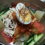 コリアン・マチャ - 冷麺。