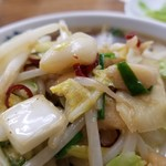 ベトコンラーメン翔華 - 野菜にニンニクたっぷり♪