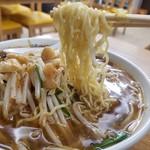 ベトコンラーメン翔華 - 麺リフト