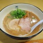麺や輝 - ラーメン700円
