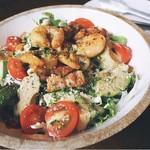 海老とアボカドのホットサラダ