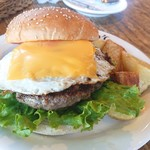 ジョジョズ カフェ&バー - オリジナルハンバーガー1,280円